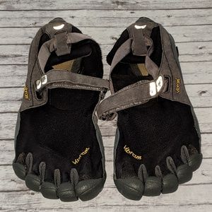 Vibram Five Fingers black,gray yellow logo Sz12